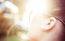 Do I Really Need To Wear Eye Protection When I Tan? Take this quiz and find out!
