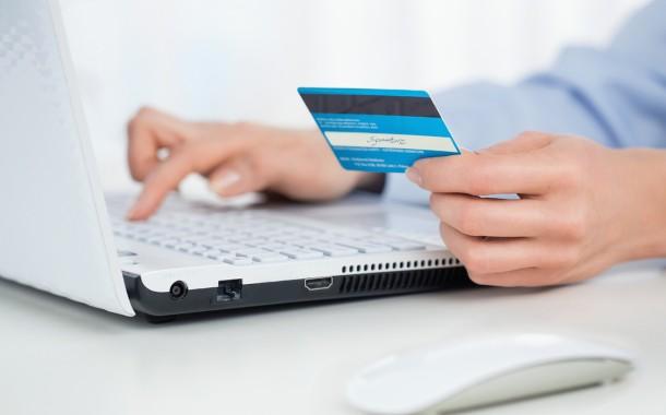 Buy It In-Salon vs. Buy It Online