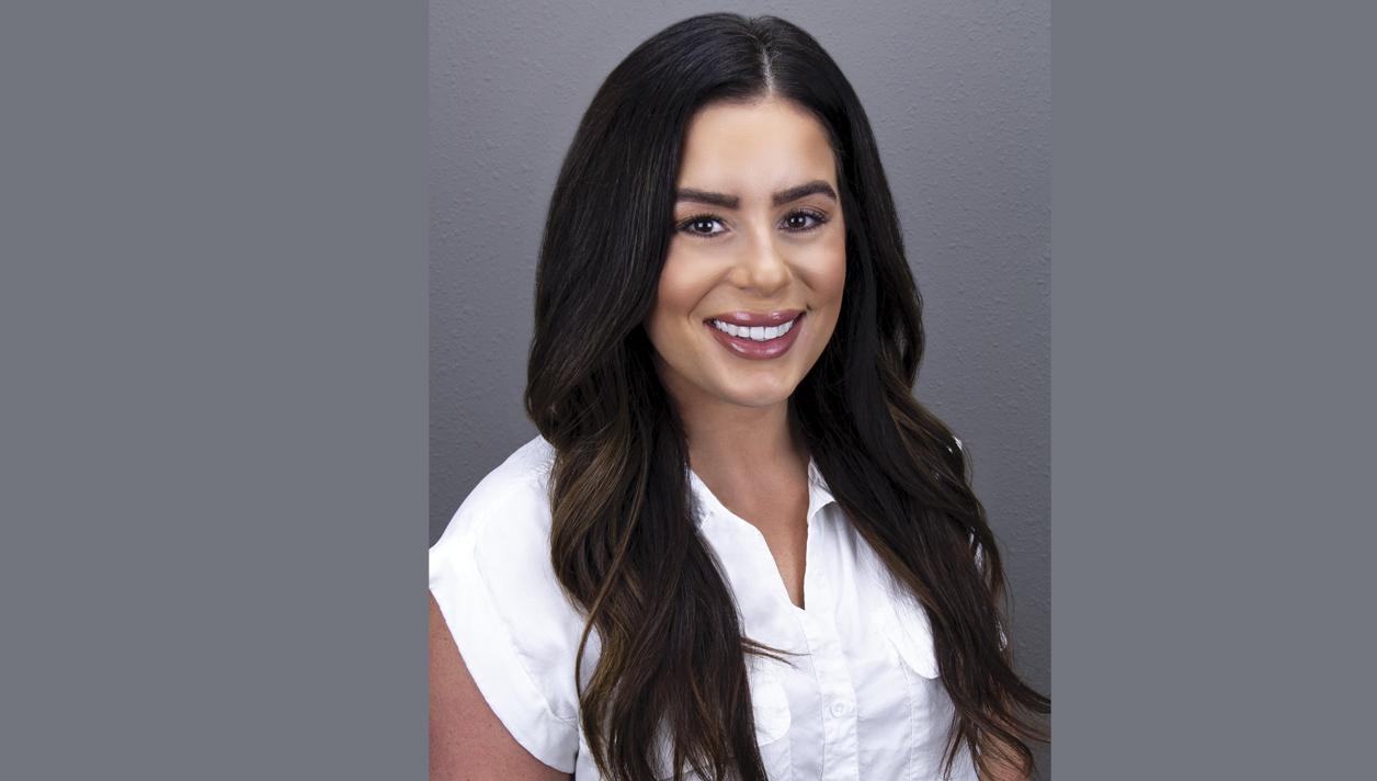 7 Questions with Lauren Ardizzone <br><h3> Field Sales Representative New Sunshine Brands    </h3>